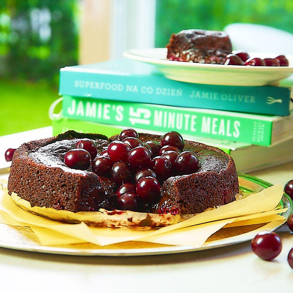 Zdrowe ciasto czekoladowe z wiśniami