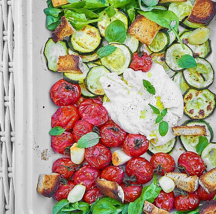 burrata z grillowanymi warzywami