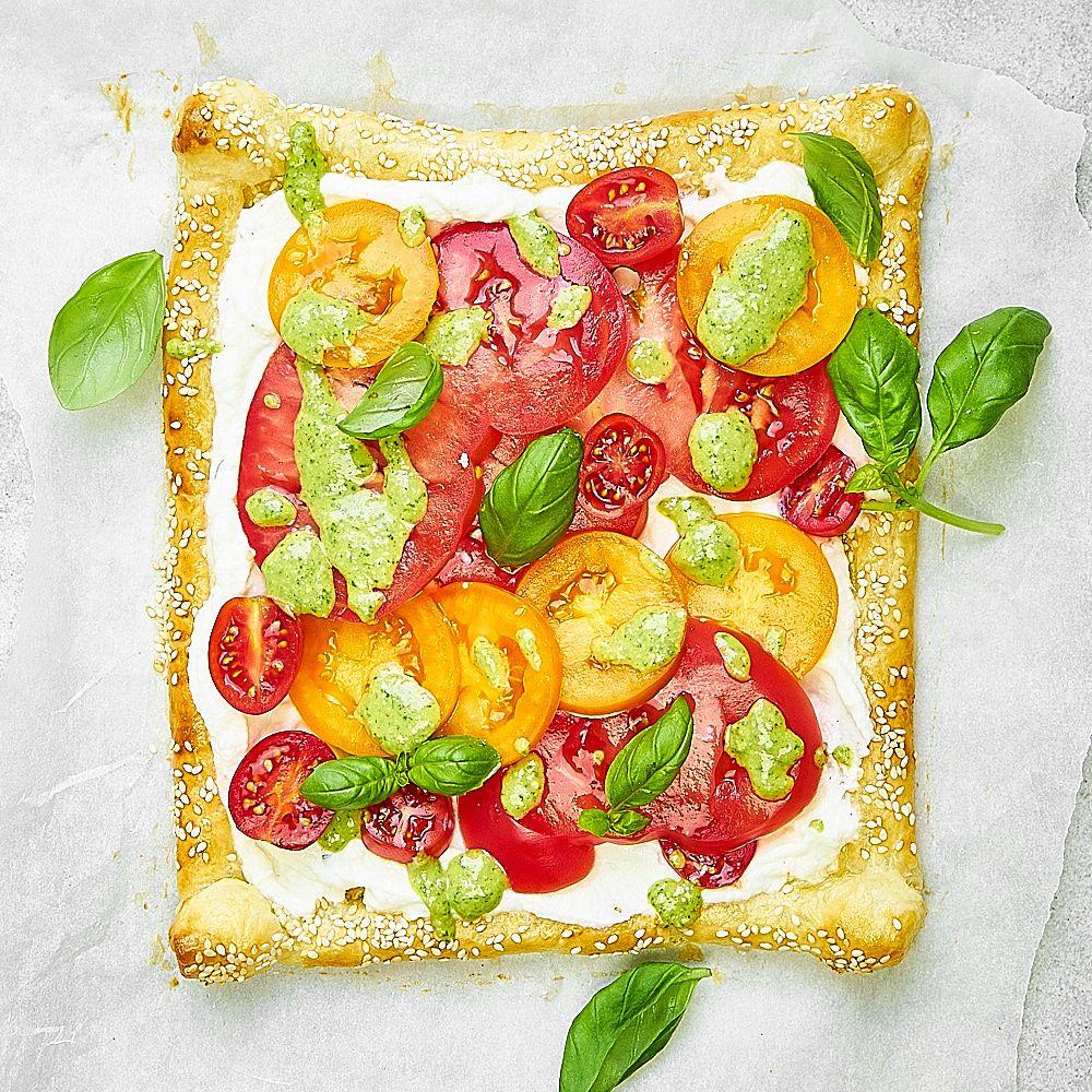 Tarta z ricottą, pomidorami i pesto