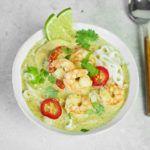 Pikantna zupa tajska z krewetkami i zielonym curry