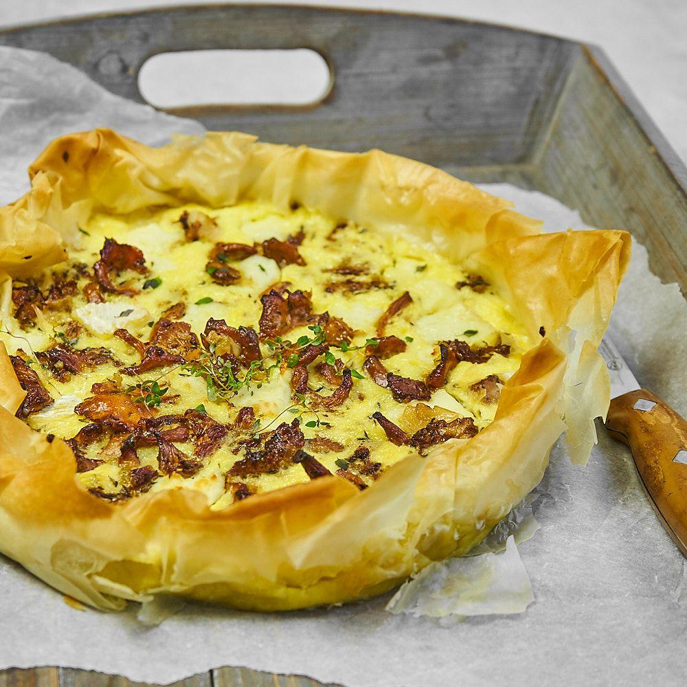 Tarta z kurkami i serem brie na cieście filo