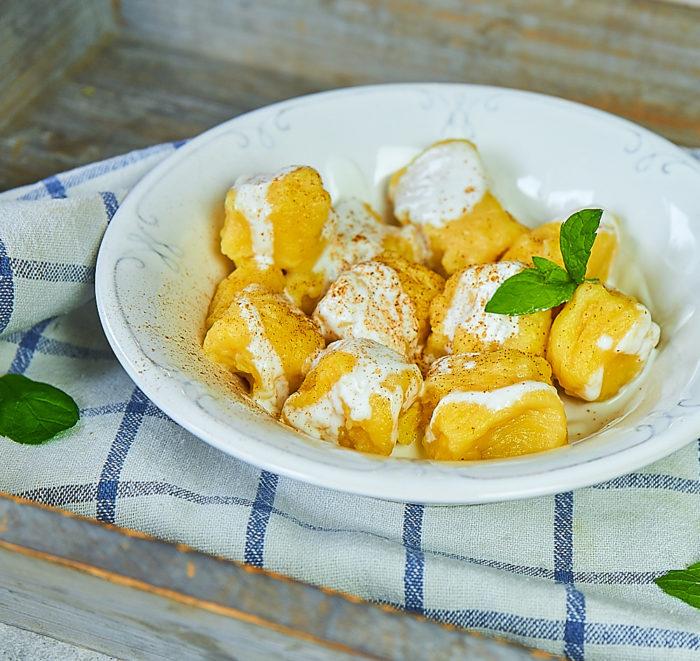 Kopytka dyniowe z ziemniakami i cynamonem