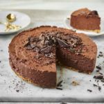 Sernik czekoladowy z mascarpone i śliwowicą
