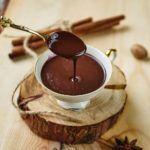 Idealnie kremowa i gęsta gorąca czekolada