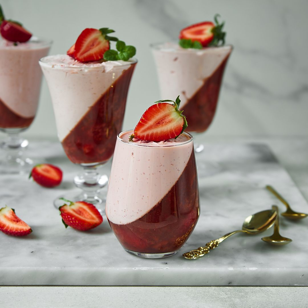 Domowa galaretka truskawkowo - jogurtowa